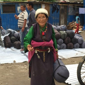Timuri Elder makes gesture of respect